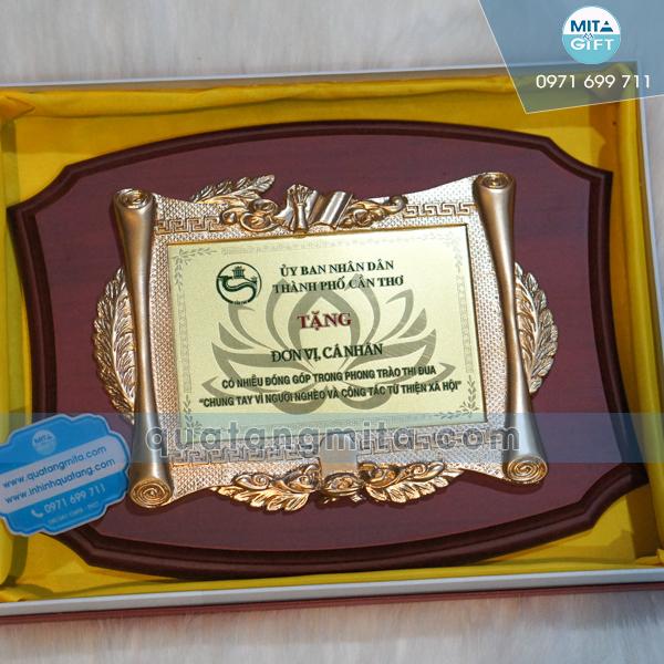 Sản xuất kỷ niệm chương gỗ đồng Cần Thơ