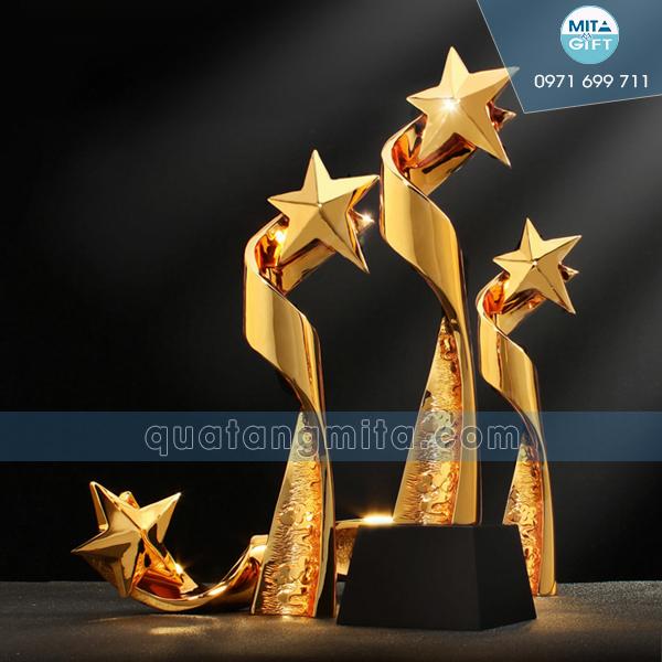 Cúp ngôi sao vinh danh tại Cần Thơ