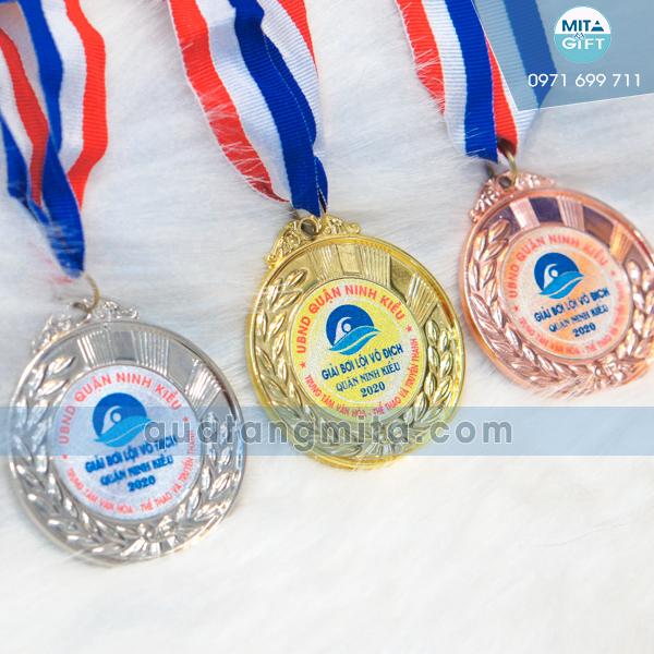 Huy chương giải bơi lội Cần Thơ